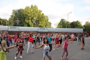 Zumba mit Manu; Zumba am Rathausplatz, Zumba, Manuela Bauer, www.crazy-dance.at
